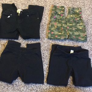 4 pairs of Girls pants size 4T 😊